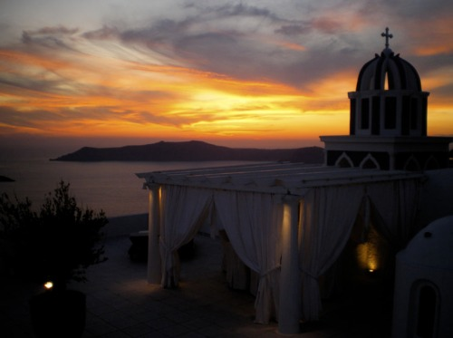 1001 Santorini nights